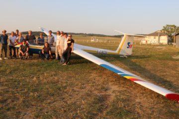 Planeur ICA IS-28B2 Photo de groupe