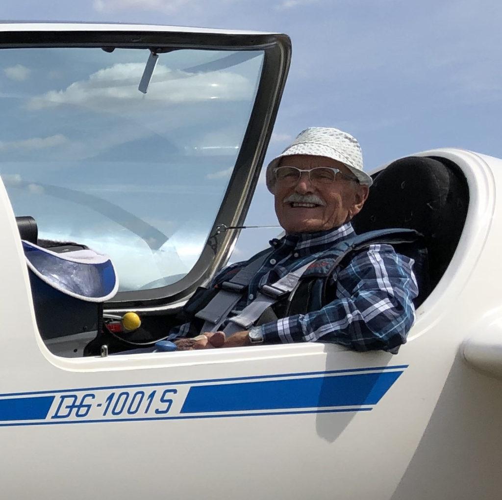 Portrait de pilote - Gérard est le doyen de Sens Planeur